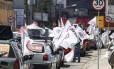 Carreata de Weslei Pereira (PSB) cruzou ruas com sucessão de placas que apontavam diferentes limites de velocidade