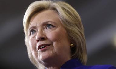 A candidata democrata à Presidência dos EUA Hillary Clinton fala durante comício em Orlando: apoio do 'New York Times' Foto: AP/Matt Rourke