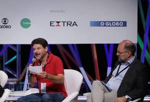 Binho Marques e Ricardo Henriques na mesa