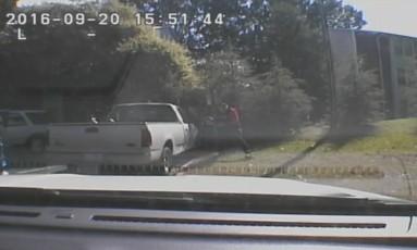 Vídeo mostra momento em que policial atira contra Keith Scott Foto: HANDOUT / REUTERS