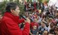 Fernando Haddad, no início da campanha eleitoral: opção por diminuir associação ao PT não evitou queda nas pesquisas