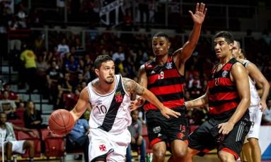 Em Fortaleza, o Vasco ganhou do Flamengo na rodada de abertura do Super Four, torneio amistoso de preparação para o NBB Foto: Stephan Eilert / Solar Cearense / Divulgação