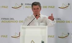 Presidente da Colômbia Juan Manuel Santos gesticula durante uma entrevista coletiva em Cartagena, na Colômbia Foto: JOHN VIZCAINO / REUTERS