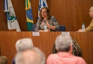 Jandira Feghali durante sabatina na Associação Comercial do Rio Foto: Reprodução