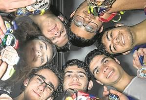 Os estudantes do Cefet selecionados para a competição Foto: ANTONIO SCORZA