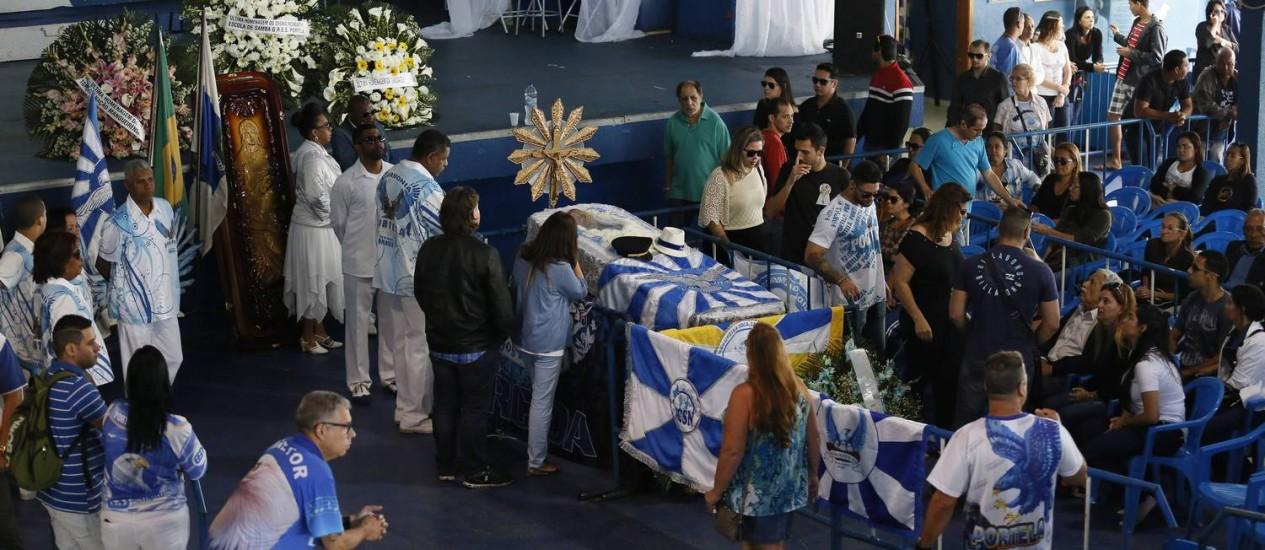 Portelenses se despedem do presidente da escola, Marcos Falcon, morto em atentado Foto: Pablo Jacob / O Globo