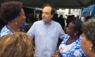 O candidato do PSDB à prefeitura do Rio, Carlos Osório, durante atividade de campanha Foto: Guilherme Ramalho