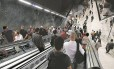 Passageiros levam 35 segundos para chegar ou sair da plataforma: em outras escadas rolantes da estação, gastam 15