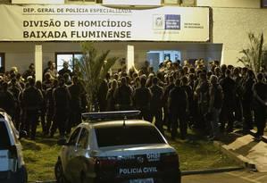 Operações da Delegacia de Homicidios na Baixada Fluminense para investigar crimes ligados a candidatos e à milícia Foto: Alexandre Cassiano / Agência O Globo