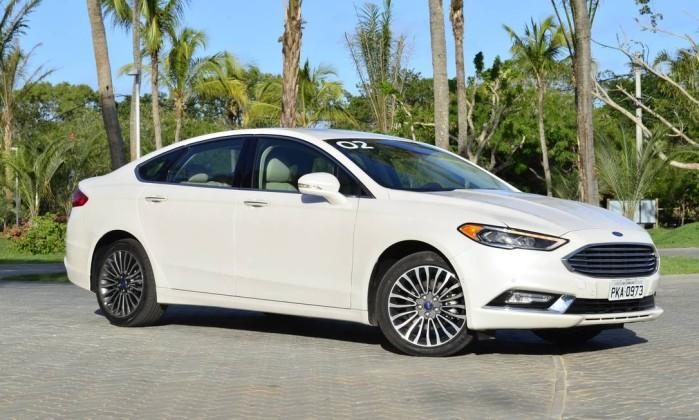 Bem equipado ford fusion amea a de honda civic a audi a4 for Ford fusion vs honda civic