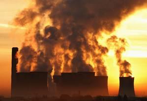 Mesmo que a Humanidade zerasse as emissões, concentração de CO2 continuaria alta por décadas Foto: PHIL NOBLE / REUTERS