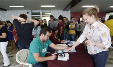 Em 2014, 24 milhões de eleitores estavam cadastrados para usar sistema biométrico Foto: Ana Branco / Agência O Globo