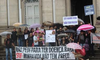 Protesto de familiares de pacientes com doenças raras, no Centro do Rio Foto: Divulgação