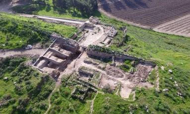 O portão da cidade de Lachish foi destruído em 701 a.C., durante guerra contra os Assírios Foto: Guy Fitoussi / Israel Antiquities Authority