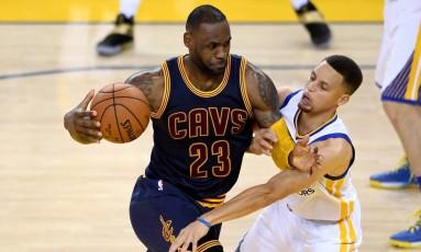 Cavaliers e Warrios chegam novamente como favoritos ao título Foto: Thearon W. Henderson / AFP