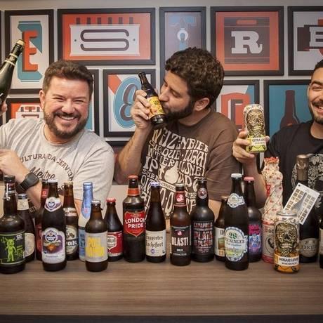 Oliveira, Denberg e Galdino: franquia do Mestre-Cervejeiro.Com Foto: Analice Paron