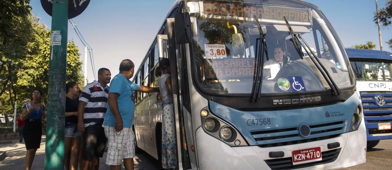 Roubos em ônibus aumentam no Centro e nas zonas Norte e Sul Foto: Daniel Marenco / Agencia O Globo