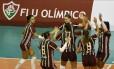 Jogadoras do Fluminense comemoram ponto na ivitória sobre o Rio Foto: Divulgação - Fluminense