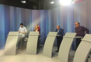 Os candidatos à prefeitura de Fortaleza no estúdio Foto: Júnia Gama / Agência O Globo