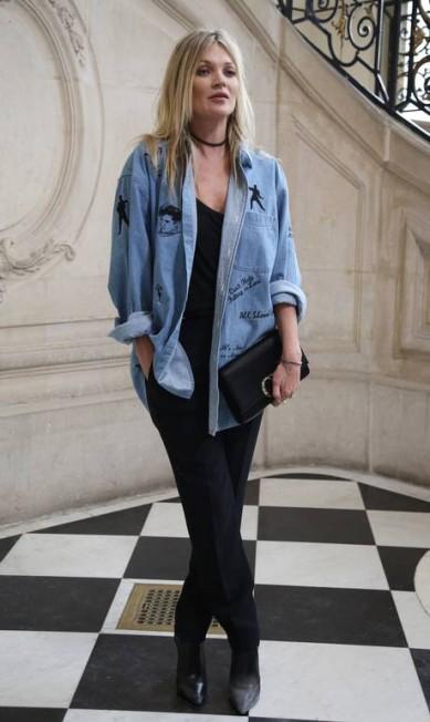 Kate Moss foi uma a prestigiar Maria Grazia, a primeira mulher a assumir o posto de diretora-criativa da grife Thibault Camus / AP
