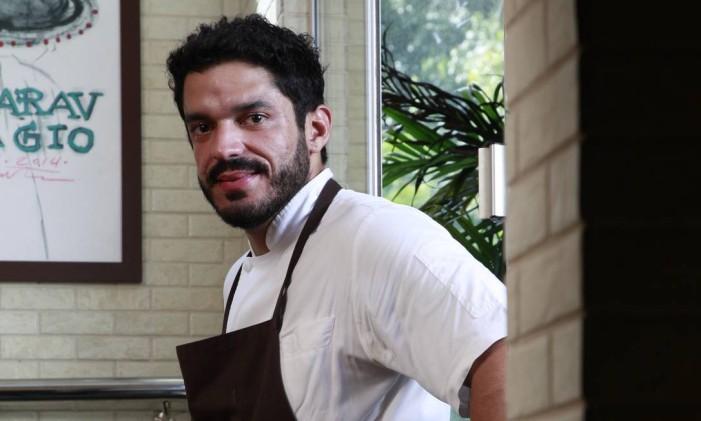 Chef Thiago Castanho no restaurante Remanso do Bosque, em Belém Foto: Octavio Cardoso / Divulgação