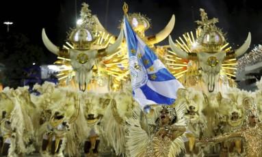 Desfile da Vila Isabel em 2016: escola foi oitava colocada Foto: Antonio Scorza