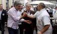 O candidato do PMDB à prefeitura de Porto Alegre, Sebastião Melo, durante atividade de campanha