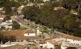 Vista panorâmica da RJ-100, na altura de Maria Paula: estrada é a divisa entre as duas cidades Foto: Guilherme Leporace / Agência O Globo