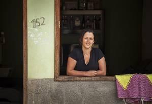 Jomara é amiga de infância dos três candidatos em Macuco, mas está indecisa após morte de favorito Foto: Hermes de Paula / Agência O Globo