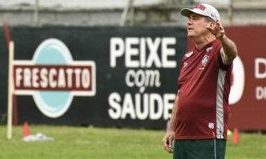 O técnico Levir Culpi orienta o Fluminense no trenio nas Laranjeiras Foto: Divulgação - Mailson Santana