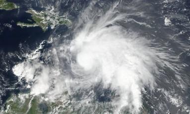 Tormenta Matthew aparece em imagem de satélite sobre a Venezuela Foto: NASA / REUTERS
