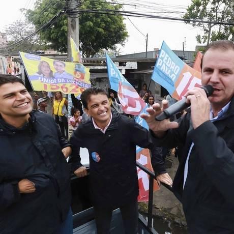 Pedro Paulo fez carreata em Santa Cruz acompanhado de Paes e Bebeto Foto: Divulgação