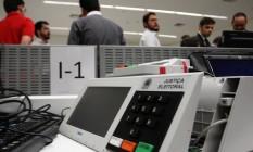 Urna eletrônica: sistema recebe ataques de todo o mundo em dia de eleições Foto: Givaldo Barbosa / Agência O Globo