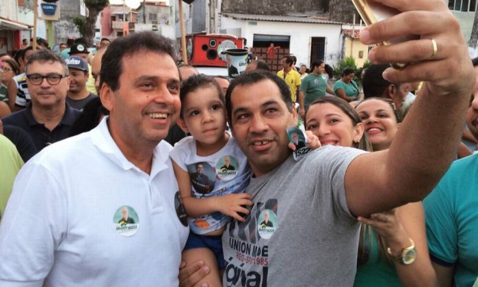 Resultado de imagem para Carlos Eduardo se reelege prefeito de Natal com 63,42% dos votos