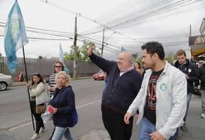 Rafael Greca em caminhada por Curitiba na tarde deste sábado Foto: Reprodução Facebook