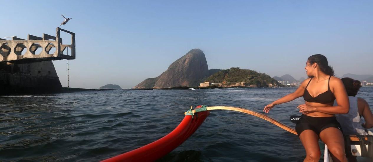 Points na Baia de Guanabara de quem pratica esportes: mergulho no Forte da Laje Foto: Custódio Coimbra / Agência O Globo