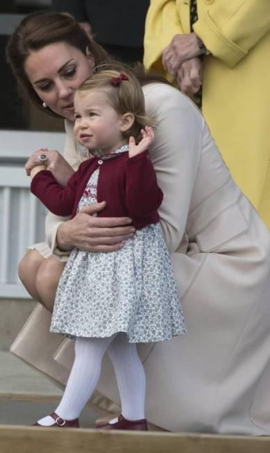O look superfofo de Charlotte Jonathan Hayward / AP