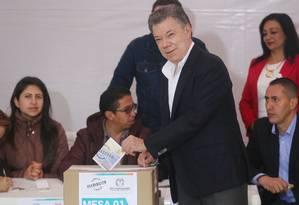 """O presidente da Colômbia, Juan Manuel Santos, defendeu o voto """"sim"""" no plebiscito que decide sobre a aceitação de acordo de paz com a Farc Foto: MARIO TAMA / AFP"""