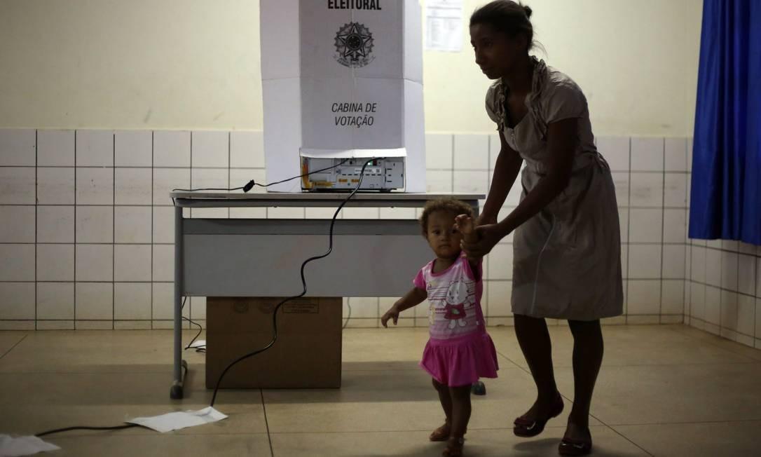 A disputa foi difícil já que 194 pessoas (11,2% dos eleitores) trabalhavam formalmente nas campanhas da cidade, segundo levantamento do Núcleo de Dados do GLOBO em dados preliminares do TSE, o que acirrava ainda mais a disputa. Foto: Marcos Alves / Agência O Globo