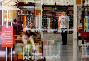 Biblioteca Mario de Andrade em São Paulo: livro digital, que já foi visto como ameça, hoje é considerado complementar ao impresso Foto: Pedro Kirilos