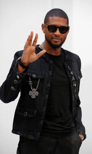 O rapper Usher na Chanel GONZALO FUENTES / REUTERS