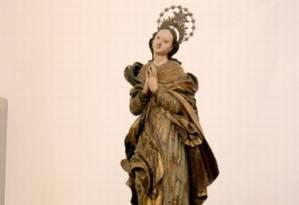 A imagem de Nossa Senhora da Conceição, do início do século XIX, foi danificada em incêndio na Capela de São Pedro de Alcântara, na Praia Vermelha Foto: Zé Antônio / UFRJ - Reprodução