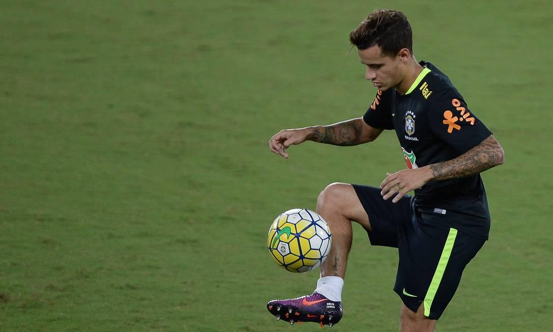 Philippe Coutinho domina a bola no treino da seleção em Natal Pedro Martins - Mowa Press