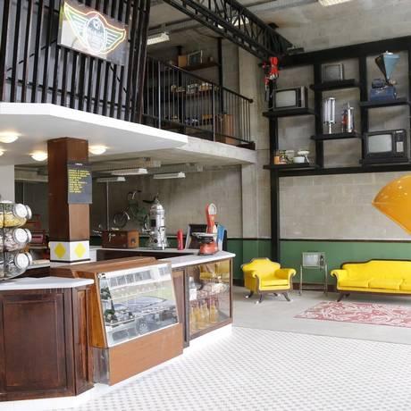 Cenário bucólico. Na Relíquias do Brasil, o mobiliário, a arquitetura, os artigos de decoração e o cardápio remetem aos anos 1960, 1970 e 1980 Foto: Fabio Rossi