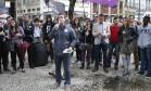 Freixo discursa no Buraco do Lume, no Centro do Rio Foto: Domingos Peixoto