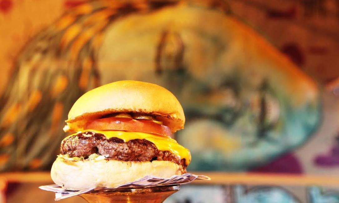 Um dos mais suculentos hambúrgueres da cidade, o Orange Burguer levará para o evento também uma versão vegetariana Divulgação