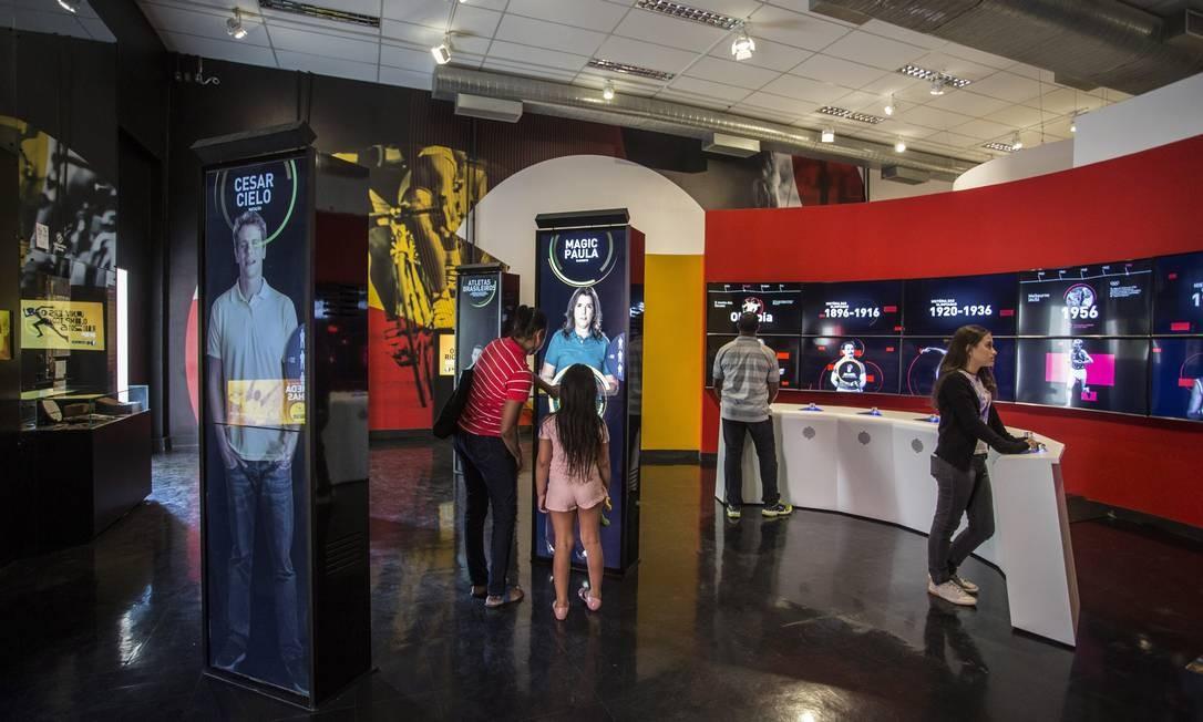 Recursos interativos estão por toda parte no Museu Cidade Olímpica e Paralímpica Foto: Ana Branco / Agência O Globo