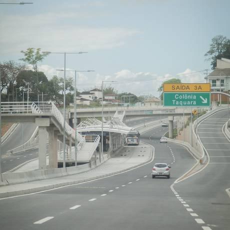 Acesso da Transolímpica para a Taquara, em Jacarepaguá Foto: Agência O Globo
