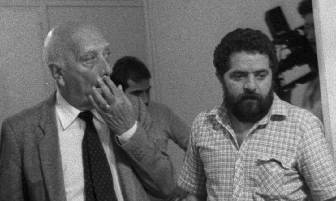 São Paulo (SP) - 17/05/1984 Luis Inácio Lula da Silva e Ulysses Guimarães - Foto Silvio Correa / Agência O Globo - Neg : 84-7469 Foto: Silvio Correa / Agência O Globo