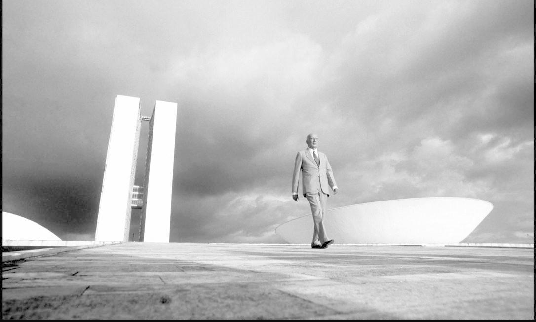 Ulysses Guimarães diante da Câmara, um relacionamento de décadas Foto: Orlando Brito / .
